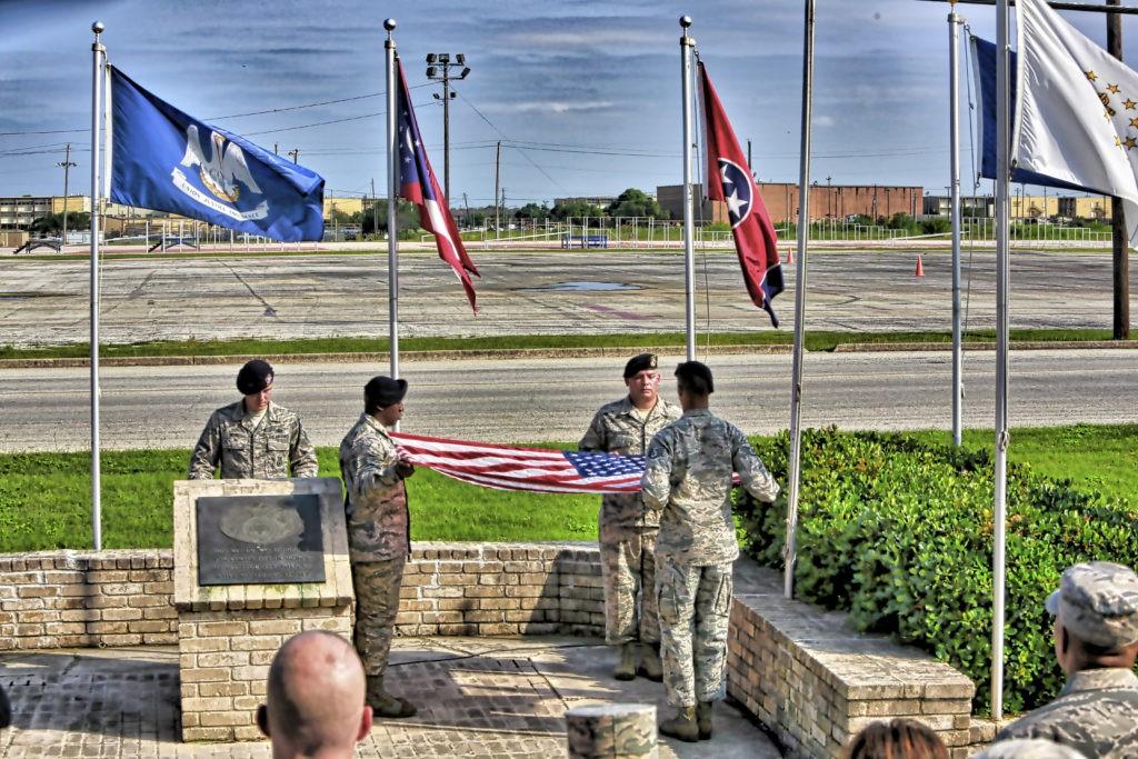 Flag folding at flag poles